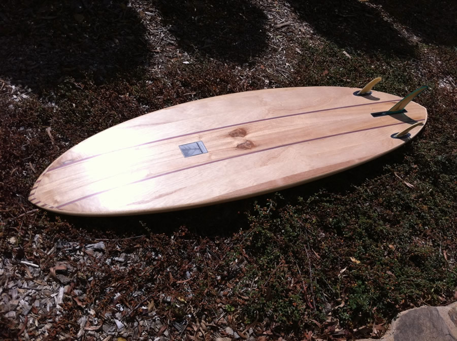 Bottom with 2+1 fin set-up